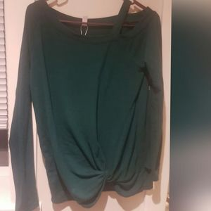 Leo rosi sweater